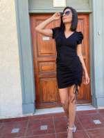 שמלת כיווצים מחטבת