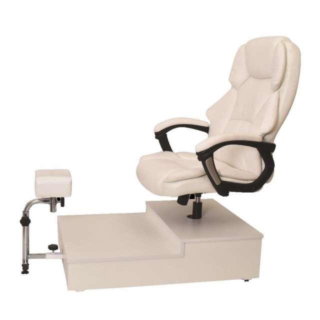 כסא מנהלים  לפדיקור משולב רגלית על במה