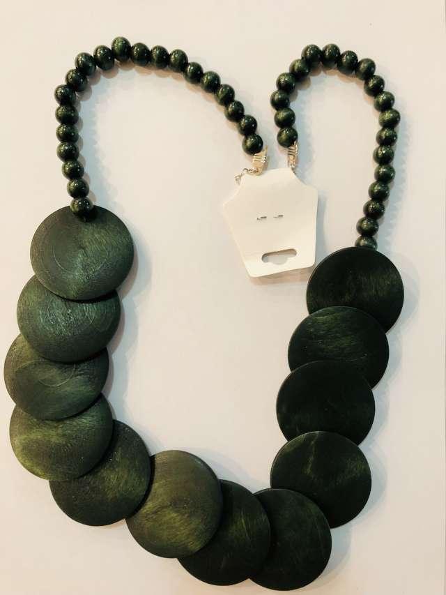שרשרת מטבעות גדולות בגוון ירוק