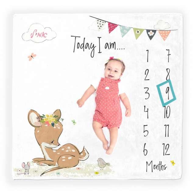 שמיכת חודשים עם שם התינוק - דגם במבי