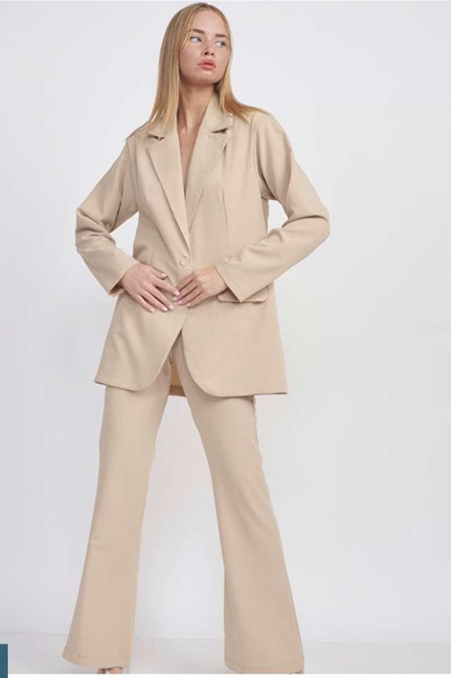 חליפה מכנס מתרחב