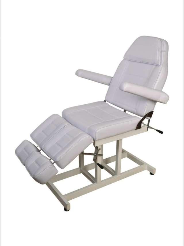 מיטת טיפולים רגליים מתפצלות