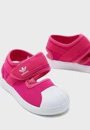 נעליים של ADIDAS