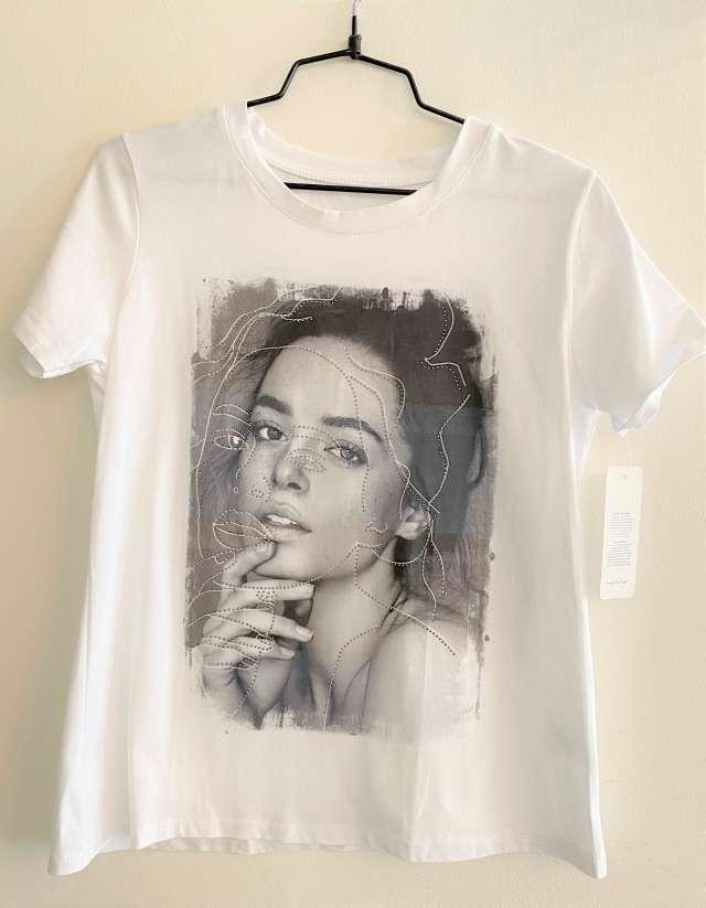 חולצת טישרט עם ציור מעוטר נצנץ - שחור לבן