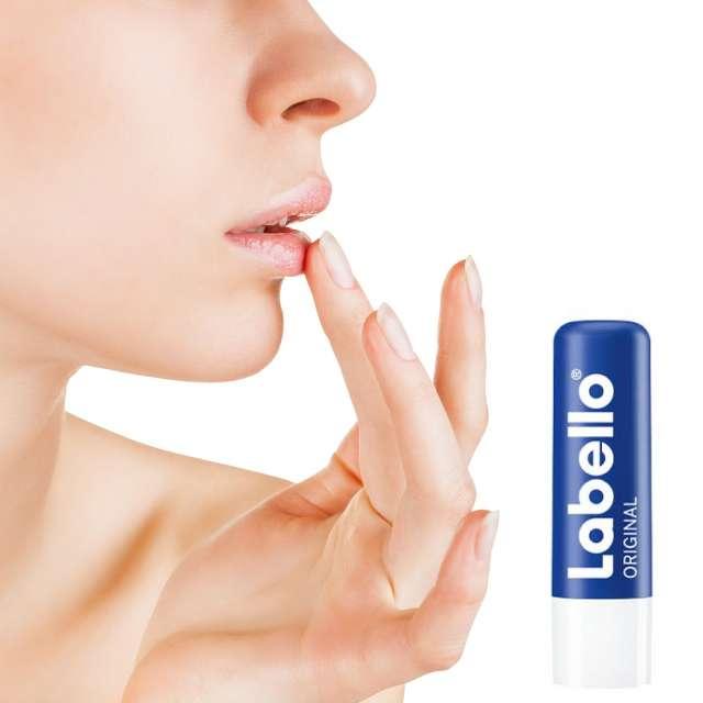 קרם שפתיים