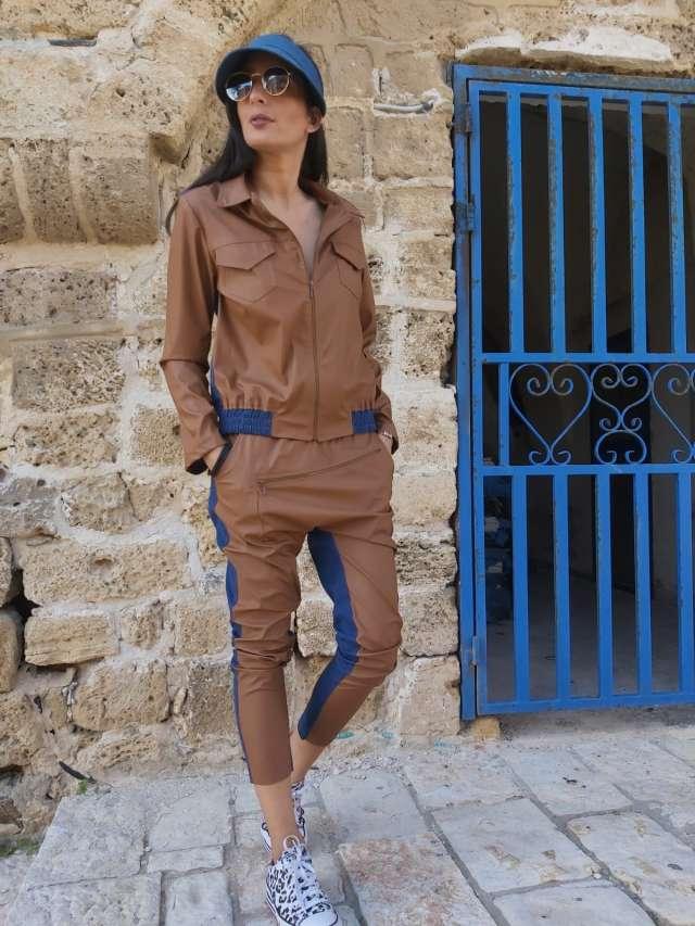 חליפת דמוי עור משולבת גינס