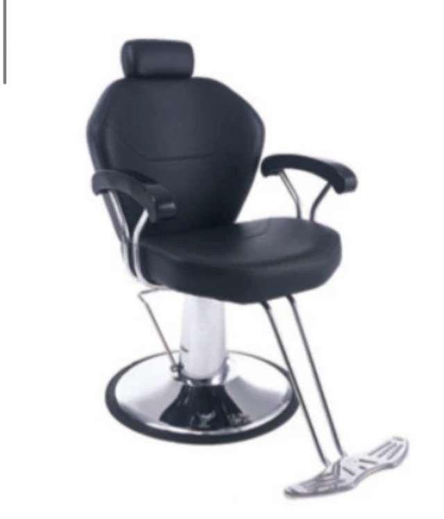 כסא לעיצוב גבות /איפור עם בסיס הידרואלי  בצבע שחור